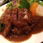 【洋食屋RYO】50年以上の経験を持つ白髪のシェフが作る王道洋食レストラン