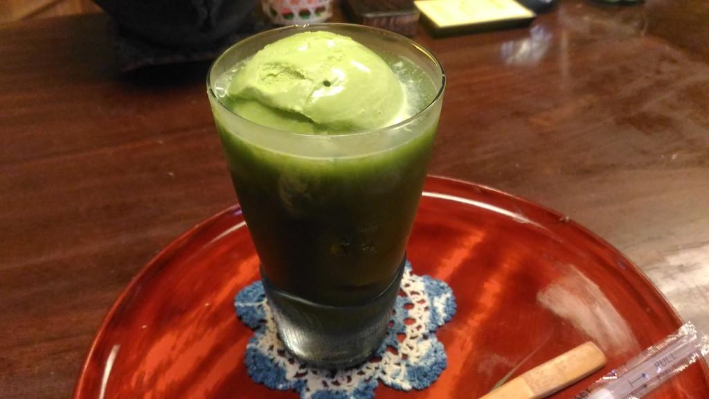 金沢 ひがし茶屋街の町家カフェ「玉とみ」にて、かき氷をいただきました