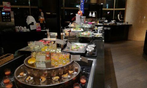 ANAクラウンプラザホテルのカスケイドダイニング、ゴージャスなホテルビュッフェでお腹いっぱい