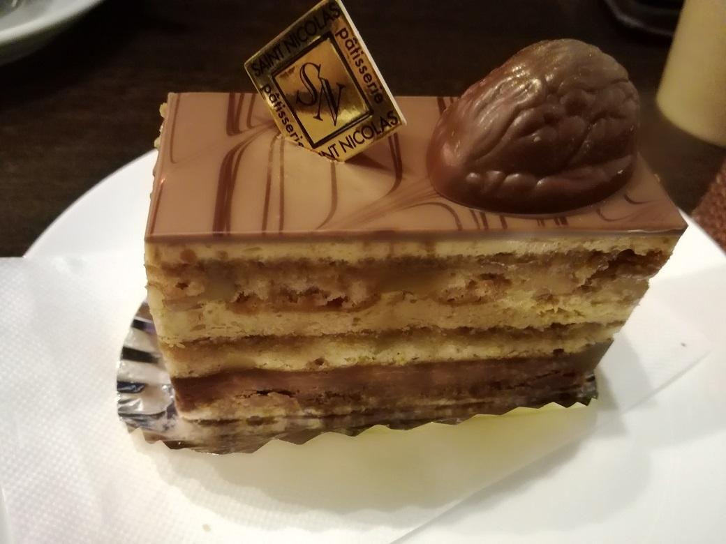 地元のチョコレート屋さんサンニコラで、甘いおやつタイムを