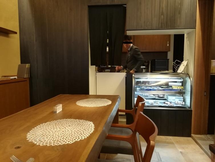 東茶屋街「薪の音 カフェ抹茶とショコラ」の優雅なパフェ
