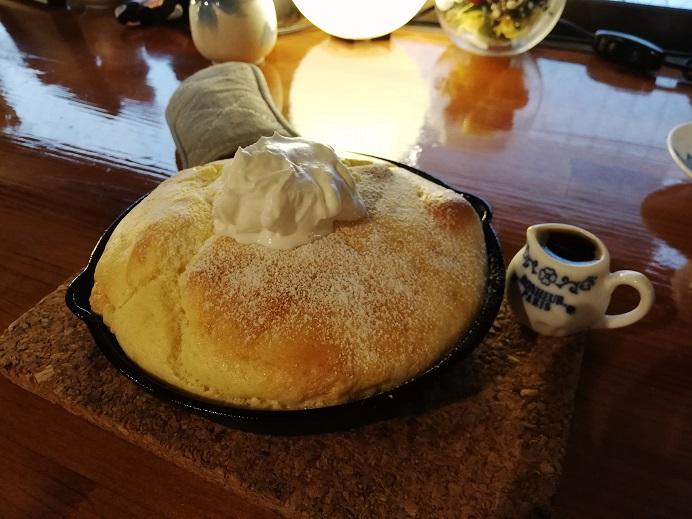 ティーハウスサクラさんで頂くホットティー色々と美味しいデザート