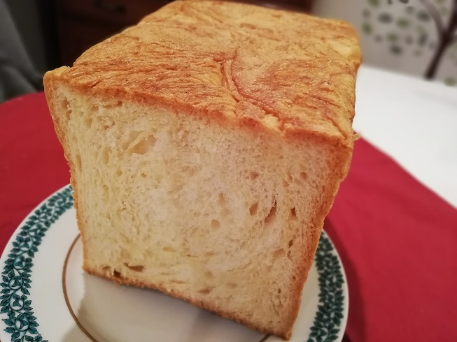 カステラで有名な烏鶏庵の烏骨鶏卵デニッシュパン